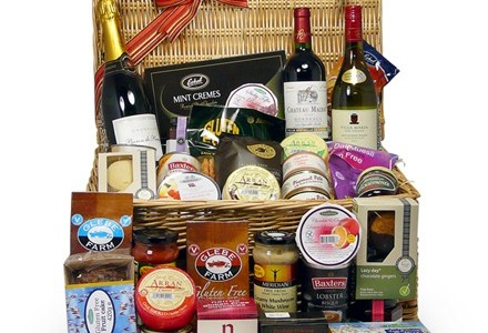 Gluten free hampers personalised gifts for coeliacs and those deluxe hamper from glutenfreehampers negle Choice Image